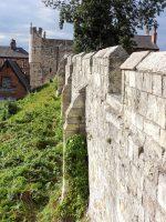 (ローマ時代に起源をもつ)ヨーク市壁 York City Walls
